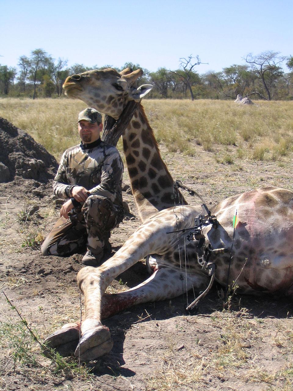 Bowhunt-Trophy-Giraffe-Namibia-africa.jpg