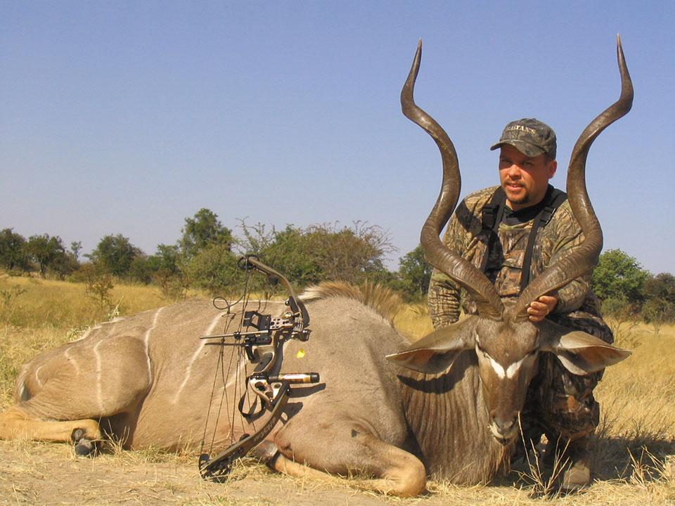 Bowhunting-big-kudu-Namibia.jpg