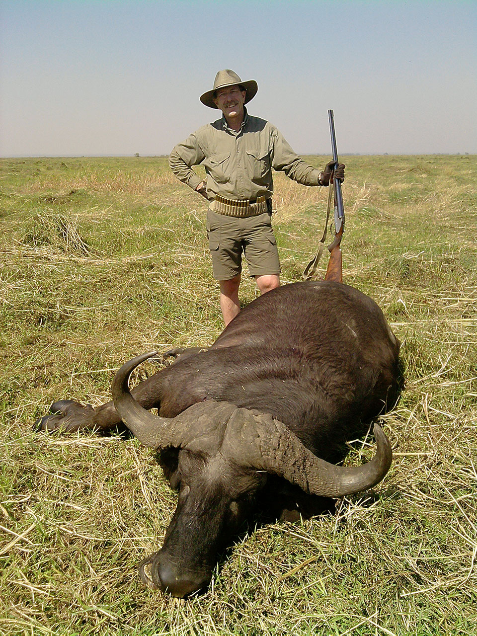 Cape-Buffalo-hunting-guides-in-Africa.jpg