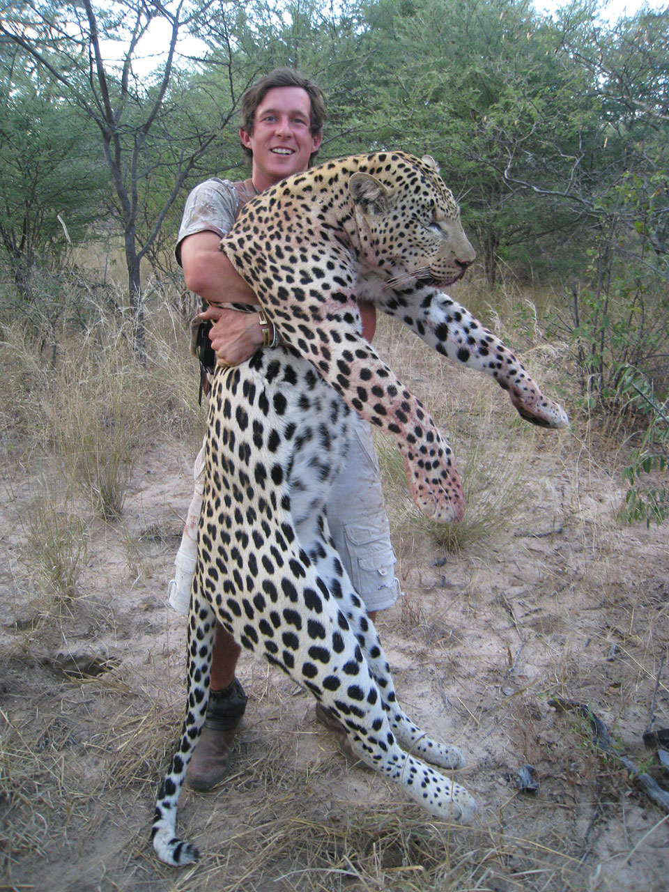 Monster-trophy-leopard-hunting-in-Namibia-Africa.jpg
